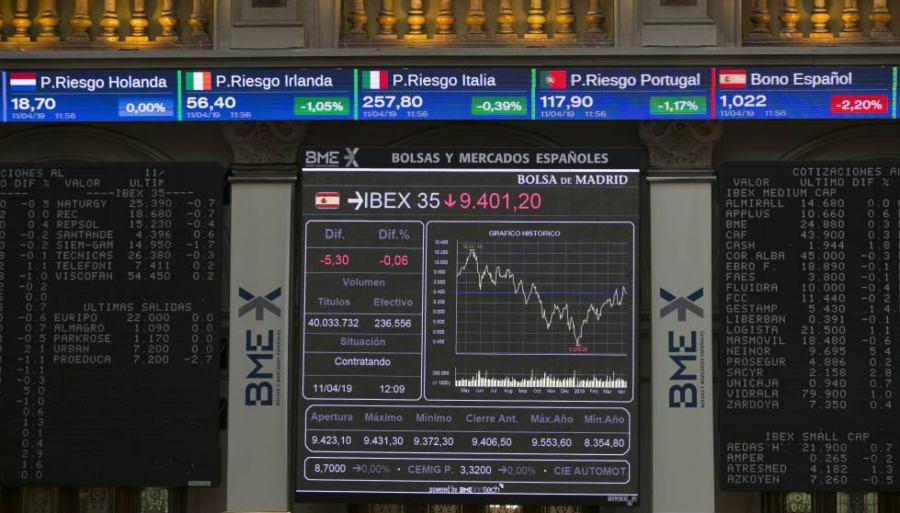 En España, los jefes del Ibex ganan 79 veces más que sus empleados. SANTI BURGO